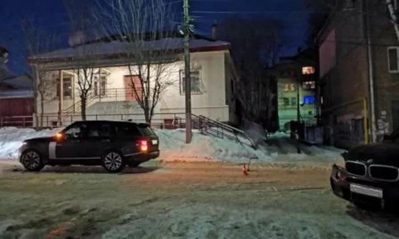 В центре Ярославля автоледи сбила ребенка рядом с пешеходным переходом