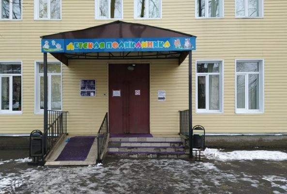 В Ярославле неадекватный мужчина устроил погром в детской поликлинике