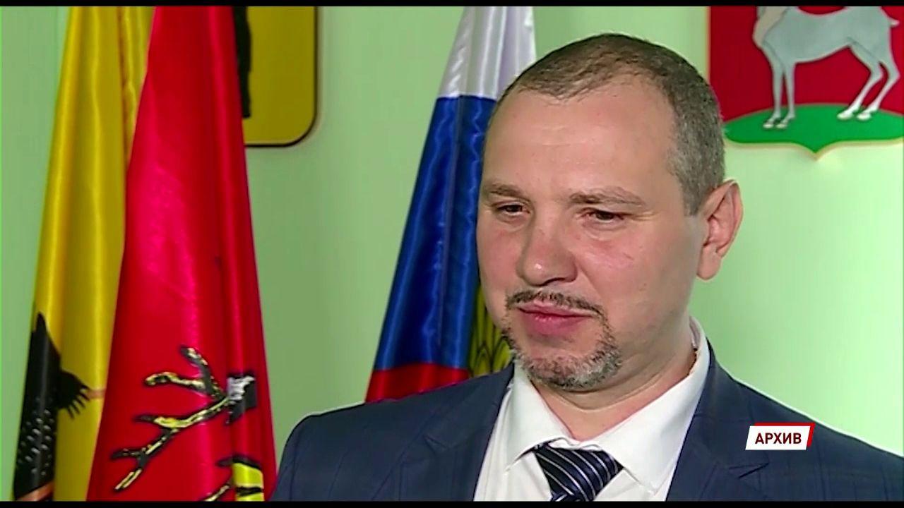 Глава Ростовского района написал заявление по собственному желанию