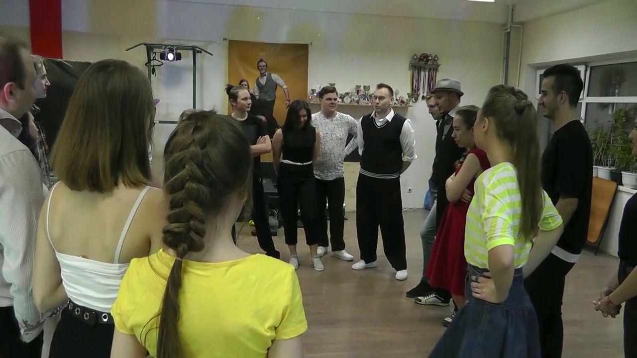 Танцоры из молодежного движения «Буги-Вуги Ярославль» устроили благотворительную вечеринку