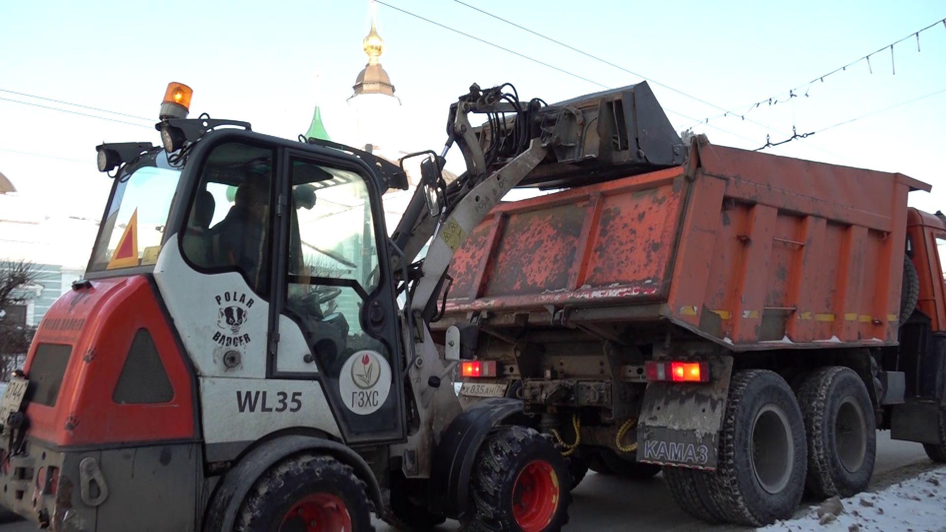 Губернатор Дмитрий Миронов раскритиковал уборку улиц и дворов