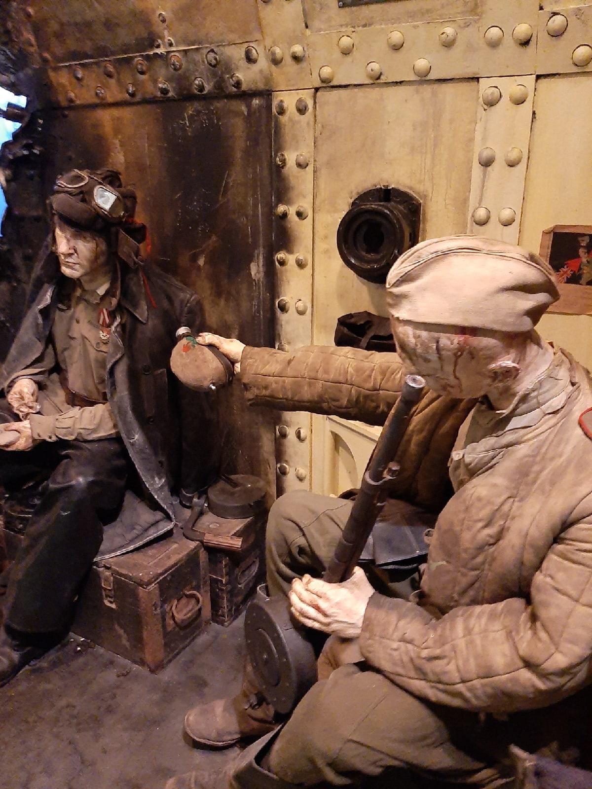«Эмоции очень сильные, в горле ком...»: ярославцы продолжают посещать «Поезд Победы»