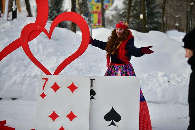 Ярославцы активно отметили День всех влюбленных: фото