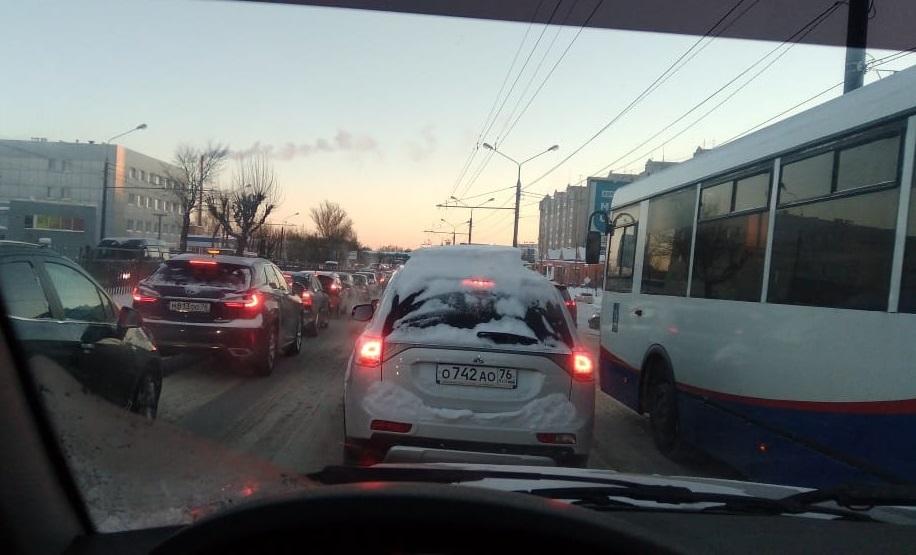 С десяти до шести: ситуация на ярославских дорогах нормализовалась