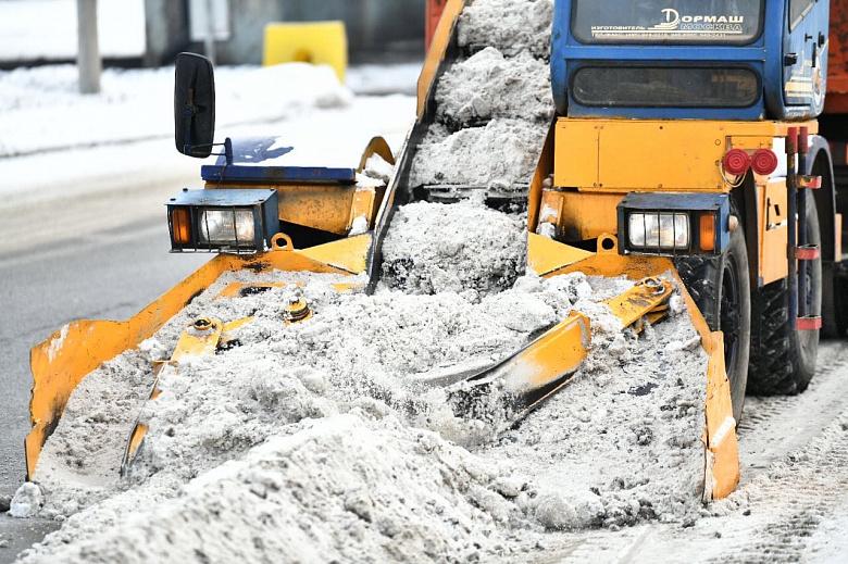 За вывоз снега в Ярославской области могут оштрафовать на 400 тысяч рублей