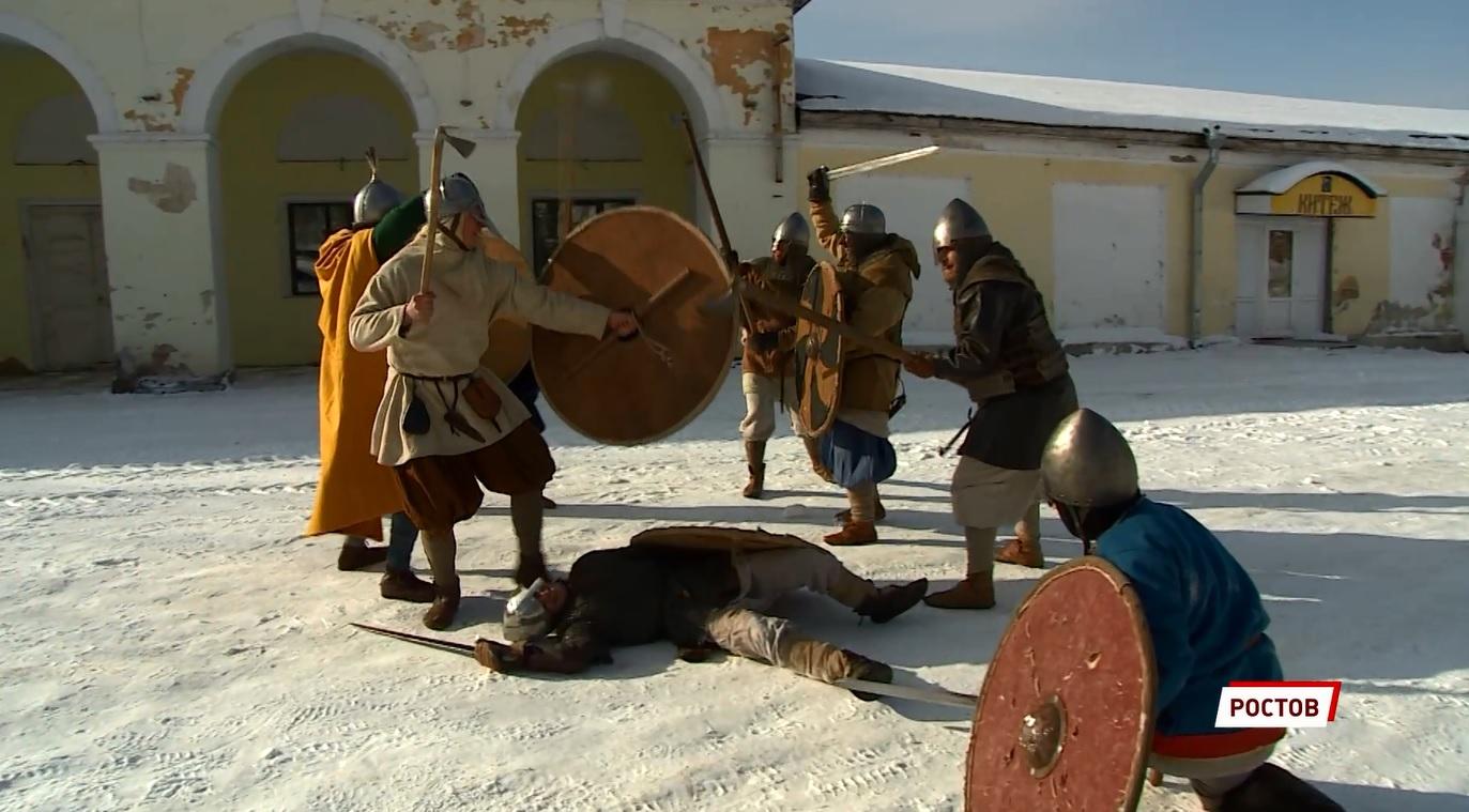 Скандинавский воин и травматолог в одном лице: врач из Ярославской области сочетает игру в войну и помощь людям