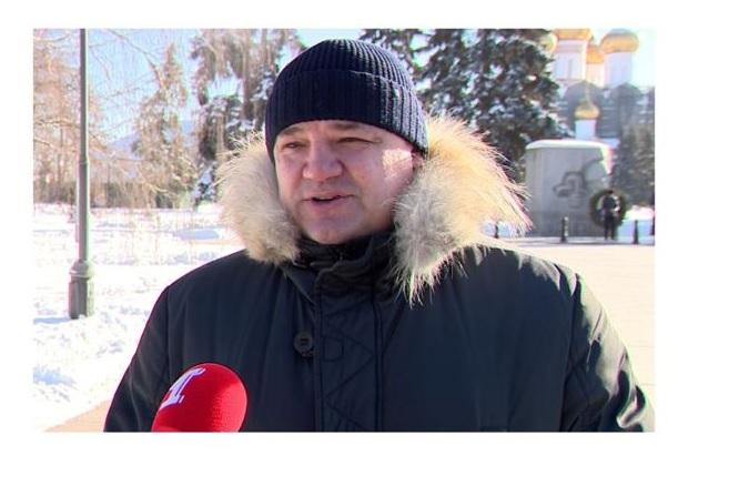 Депутат Госдумы Андрей Коваленко возложил цветы к Вечному огню в Ярославле