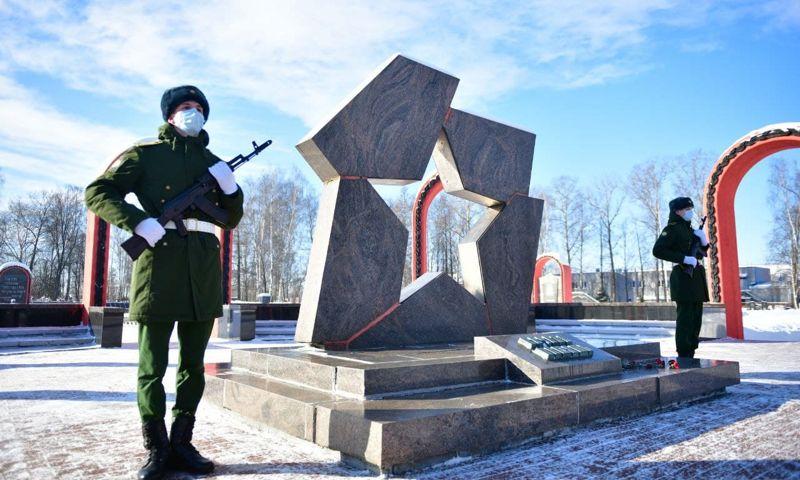 Ярославль отметил День защитника Отечества яркими праздничными мероприятиями