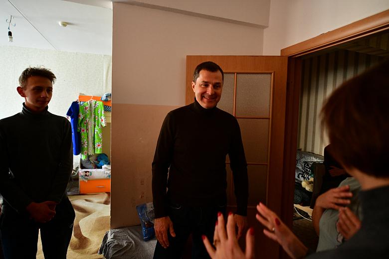 Мэр Ярославля проверил лично, в каких условиях проживают семьи из пострадавшего от взрыва газа дома