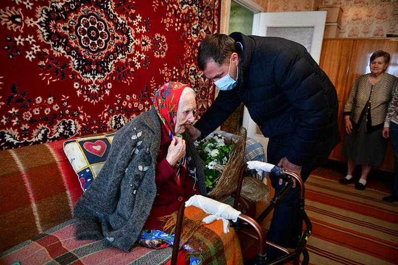 100-летний юбилей отметила жительница Ярославля Августа Шишкина