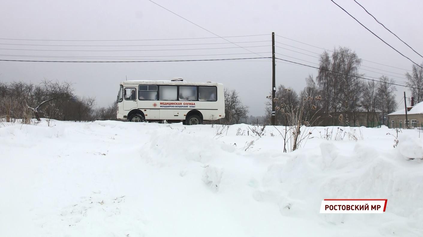 Посетить врачей и одновременно встретиться с друзьями: в селе Дмитриановском побывал мобильный фельдшерско-акушерский пункт