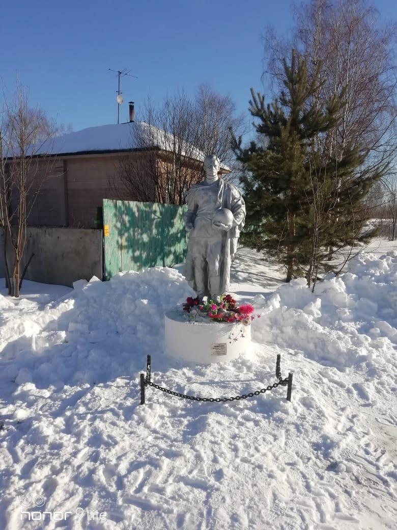 Красный Профинтерн взял на баланс восстановленный жителями памятник