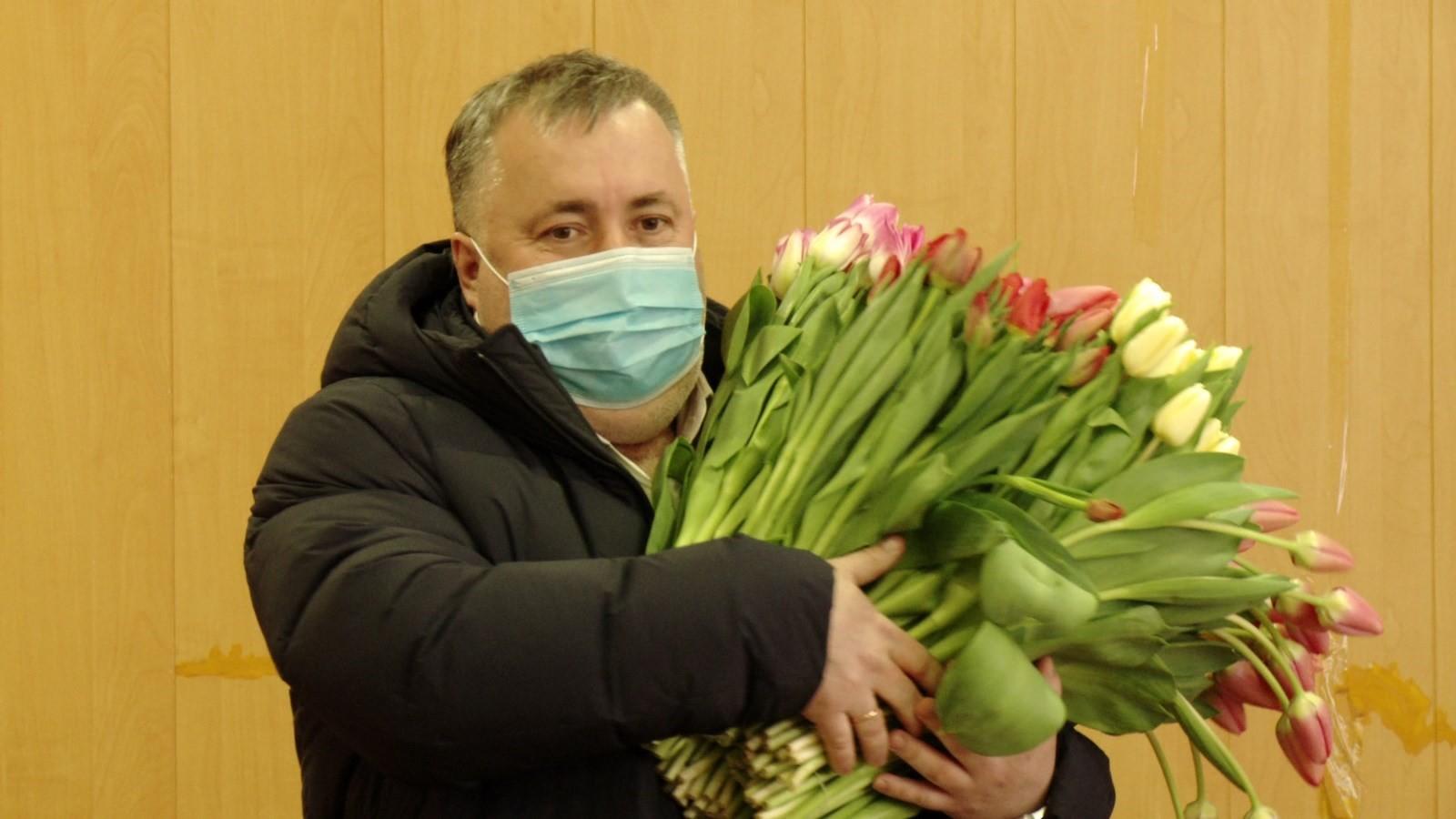 Депутаты поздравили ярославских женщин-врачей с предстоящим 8 марта