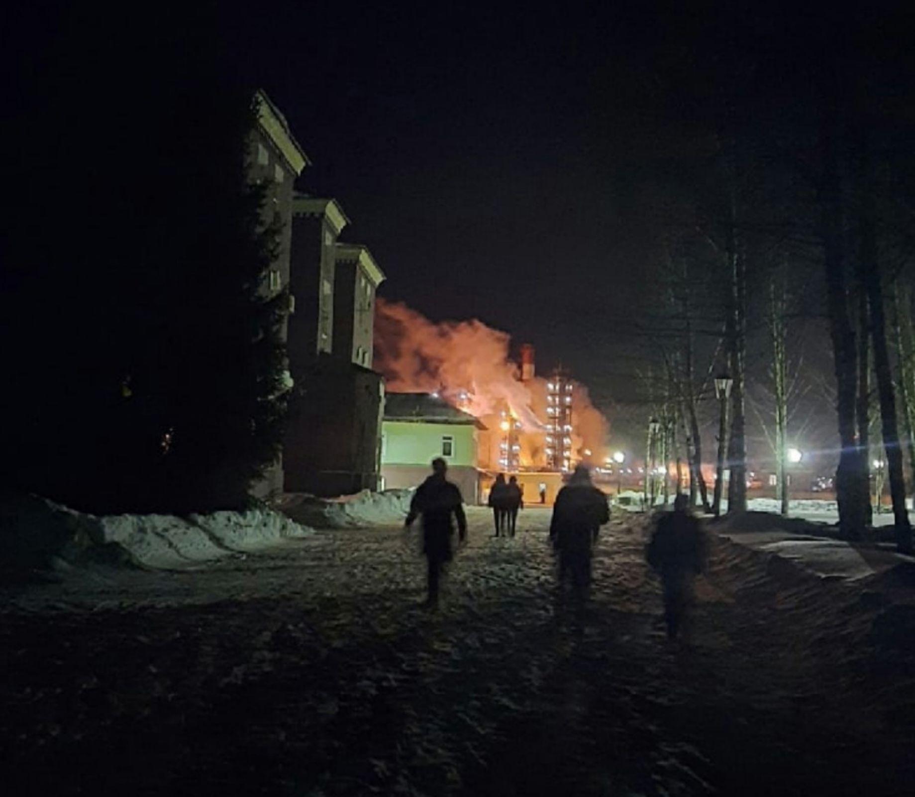 На заводе имени Менделеева в Константиновском произошел пожар