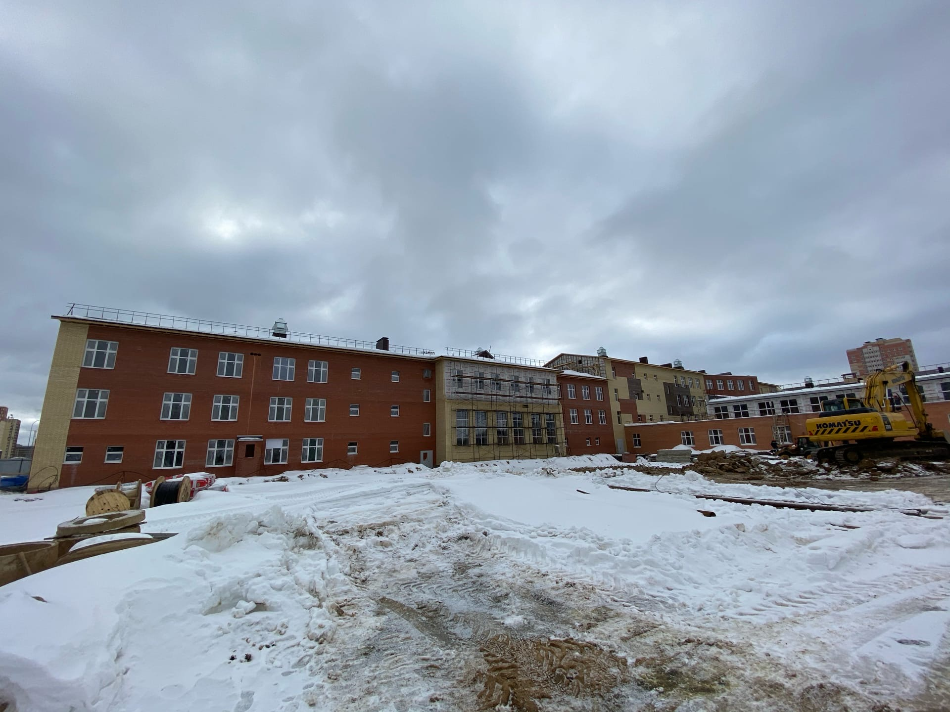 Готовность школы на улице Чернопрудной в Ярославле оценили в 60%