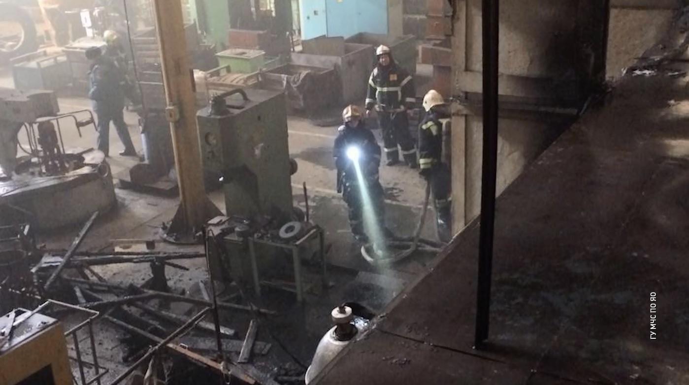 В Рыбинске загорелся крупнейший в стране завод дорожных катков