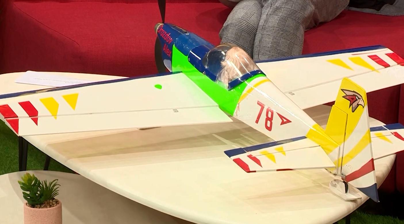 Утреннее шоу «Овсянка» от 10.03.21: учимся отжиматься и узнаем все об авиамоделизме