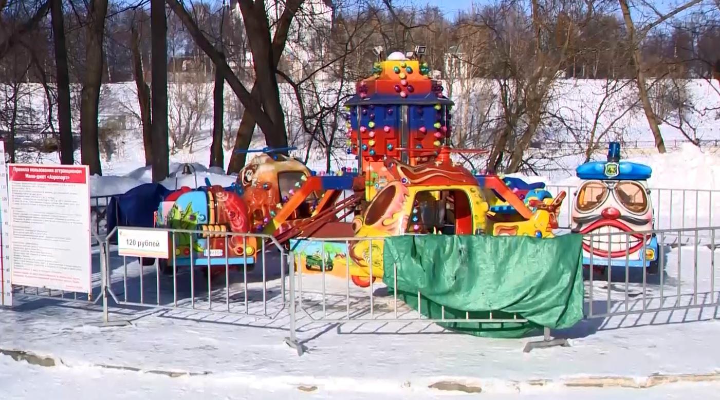 В Ярославле проверили детские карусели