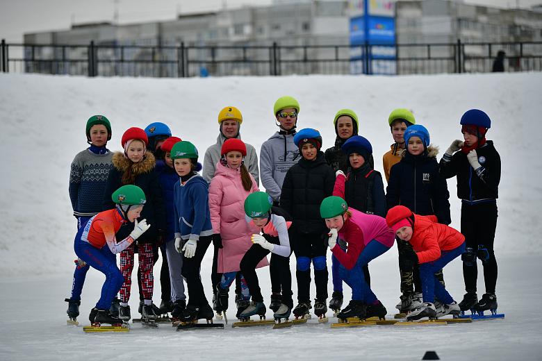 Мастер-классы на льду и волейбол на снегу: спорт стал неотъемлемой частью ярославской Масленицы