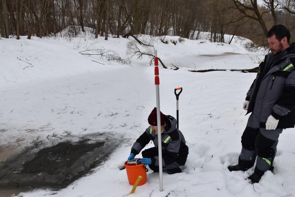 Уровень кислогудронных прудов на территории ЯНПЗ проверили в преддверии паводка