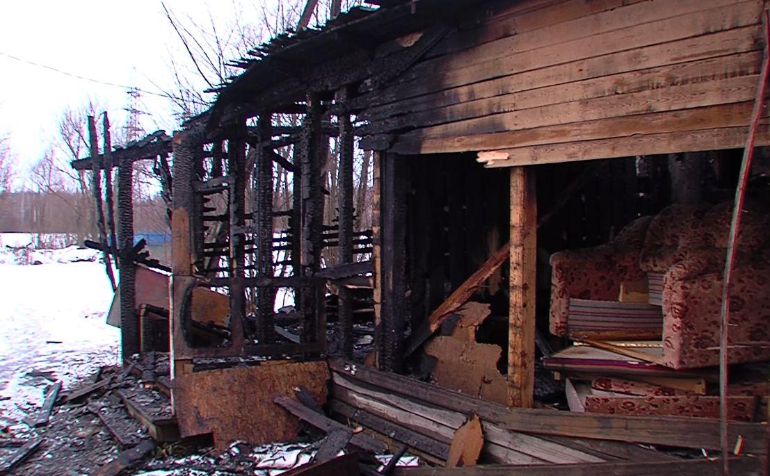 Крупный пожар в Ярославской области тушили больше пяти часов