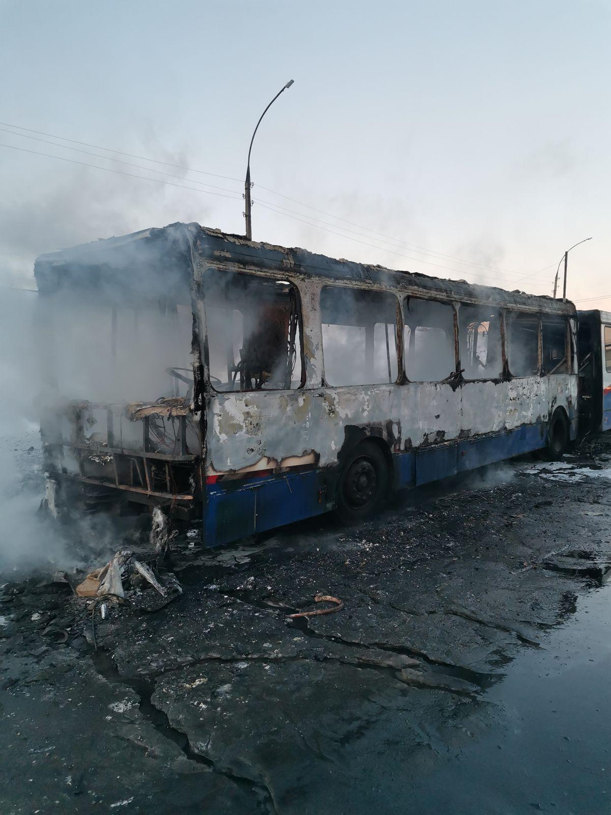 В Ярославле сгорел рейсовый автобус