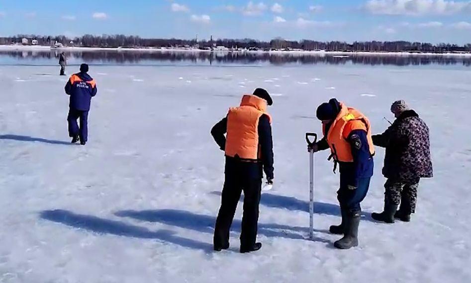 В Ярославской области запрещен выход на лед: на Волге и Которосли прошли рейды