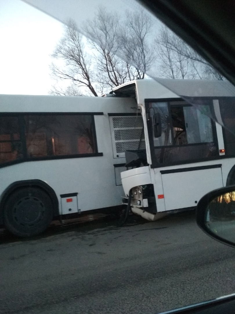 В Ярославской области столкнулись два пассажирских автобуса