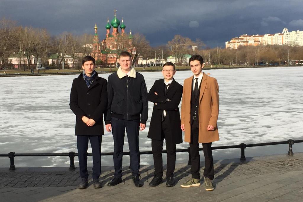 Ярославские школьники стали победителями интеллект-шоу «Умники и умницы»