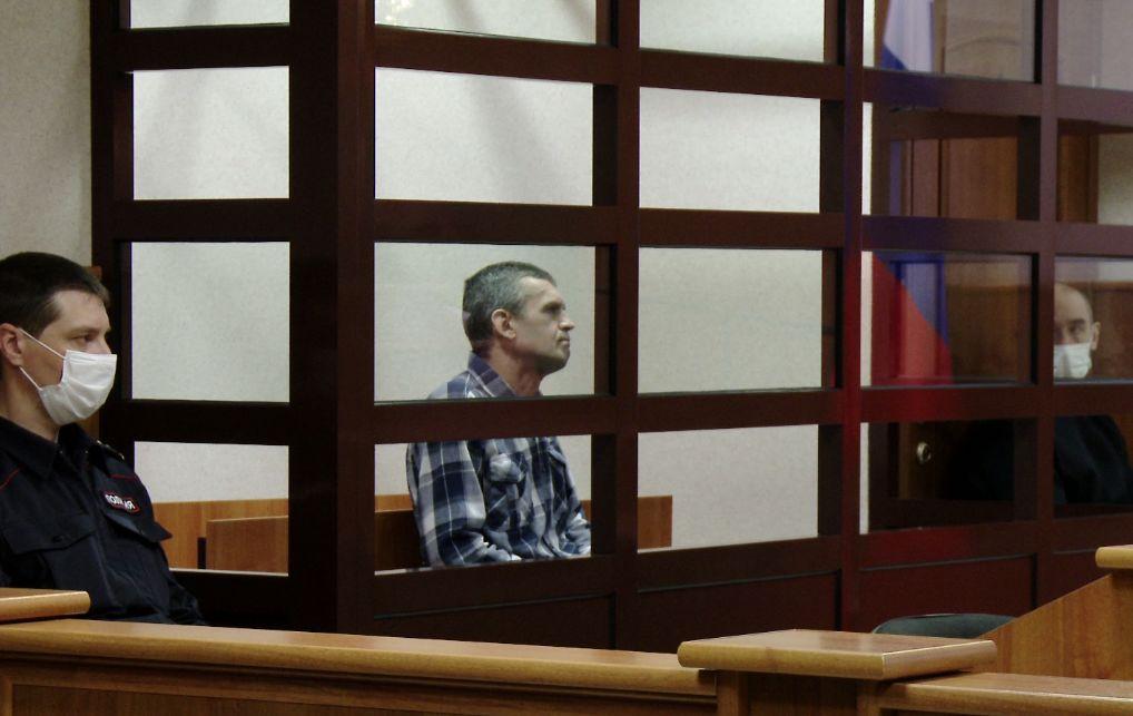 Нашли пистолеты, патроны и взрывчатку: в Ярославле начался суд над обвиняемым в убийстве антиквара