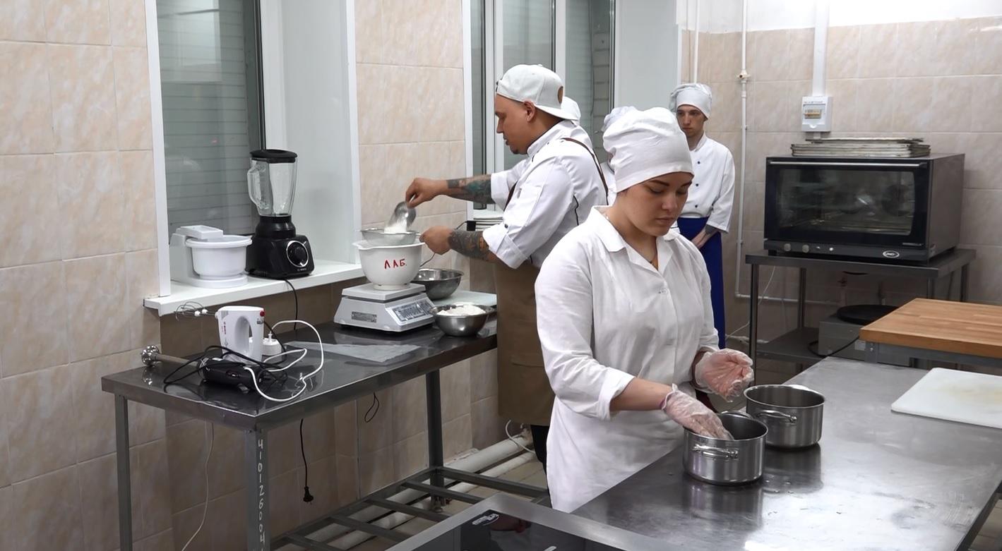 Известные шеф-повара дают мастер-классы на фестивале постной кухни в Ярославле