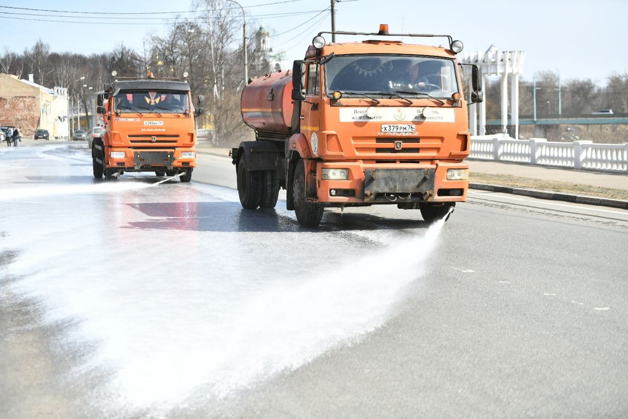 Мэр Ярославля: дороги города моют с шампунем