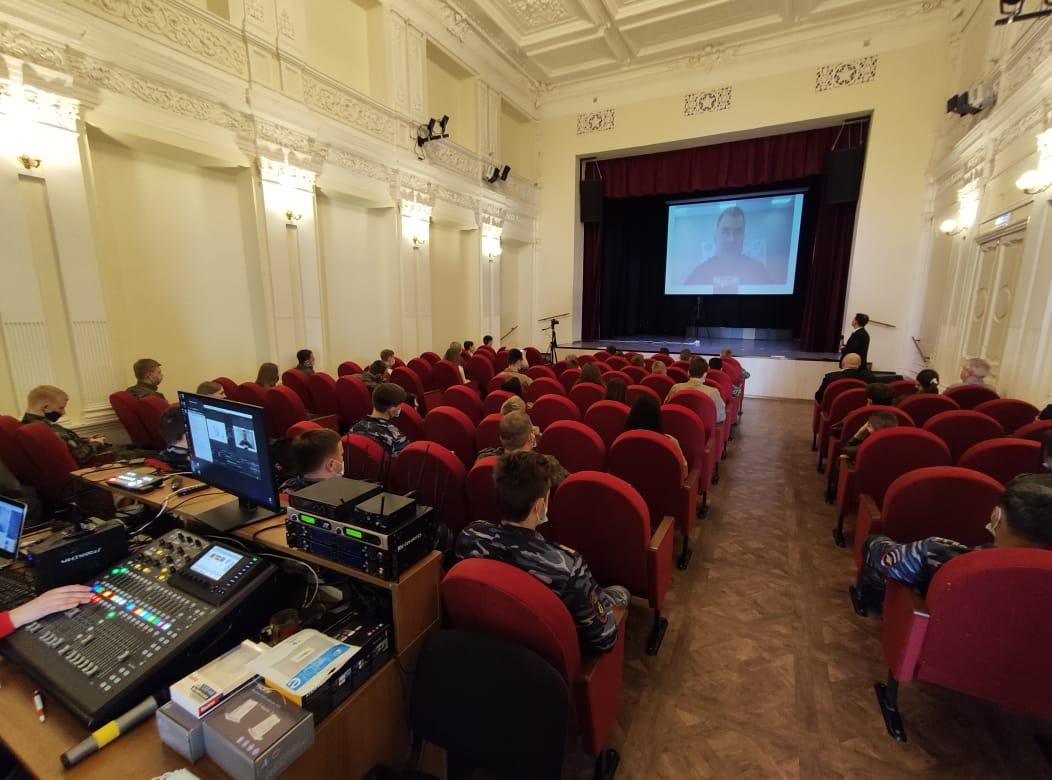 Молодые ярославцы вышли на прямую связь с космонавтом Алексеем Овчининым