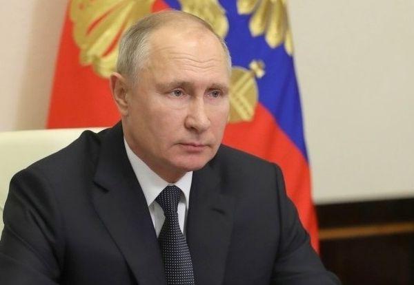 Владимир Путин заявил о необходимости корректировать решения органов власти на основании поступающей от граждан информации