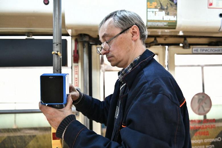 В ярославском транспорте устанавливают валидаторы для безналичной оплаты проезда