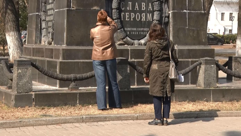 В Ярославле разваливается памятник «Борцам за советскую власть»