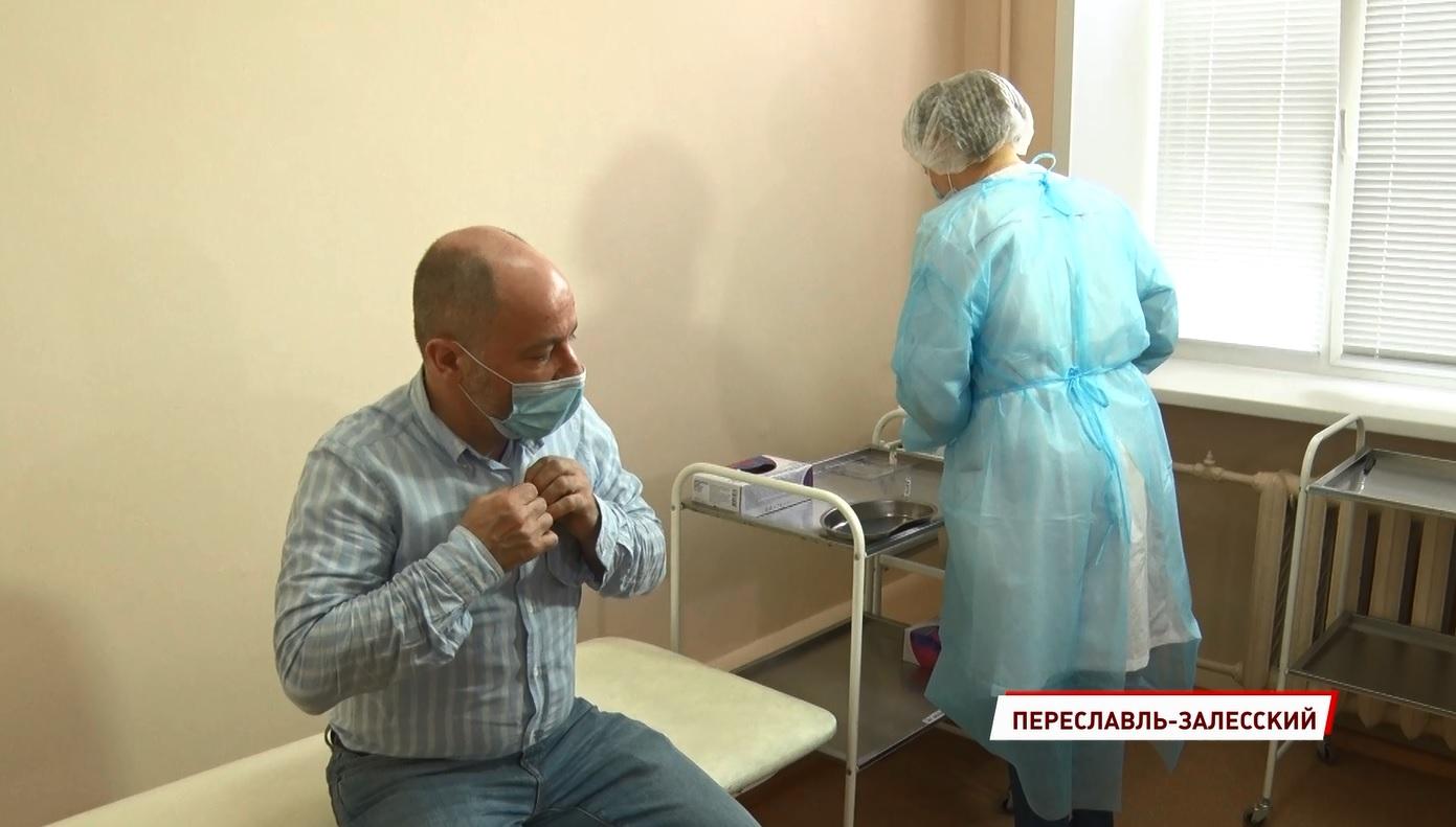 «Помогает не заболеть»: в Ярославской области от коронавируса привился француз