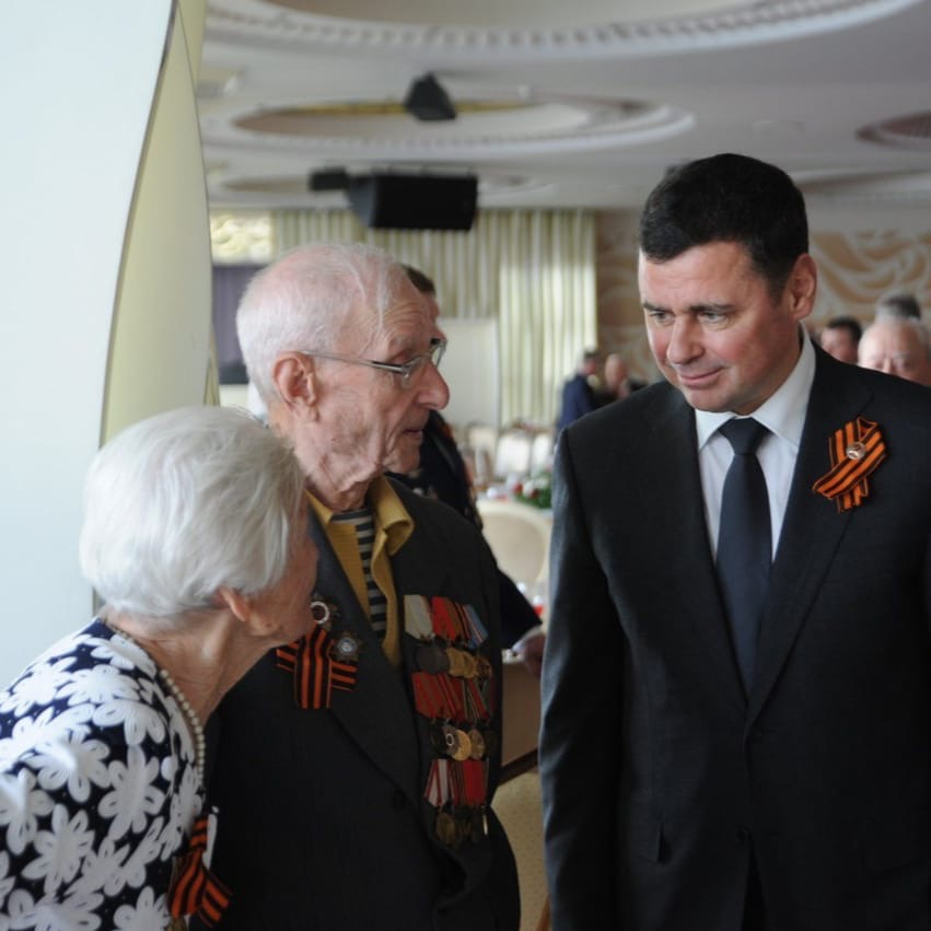 Дмитрий Миронов поздравил труженицу тыла из Тутаева со 102-летием