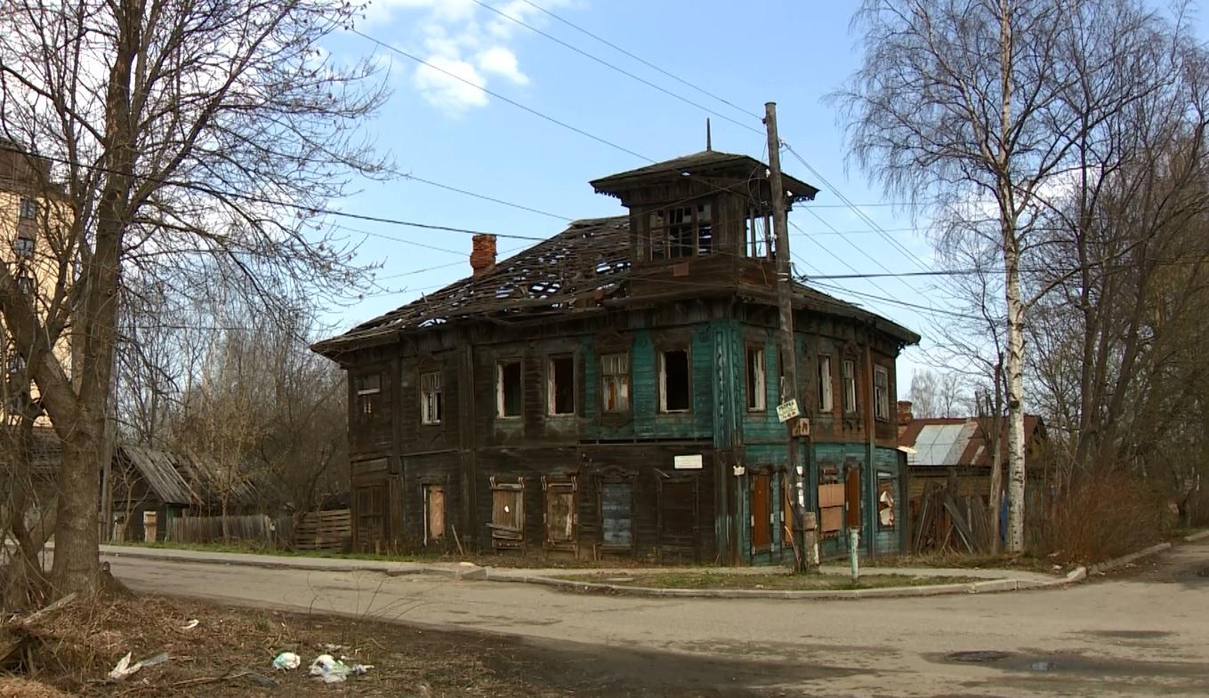 Дом со штурвалом: в Ярославле погибает когда-то самое красивое здание Красного Перекопа