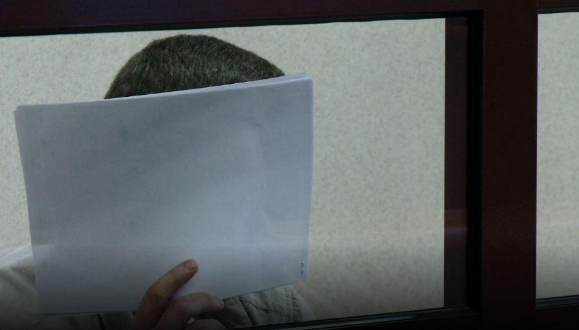 В Ярославле осудили водителя, прокатившего на капоте сотрудника спецназа