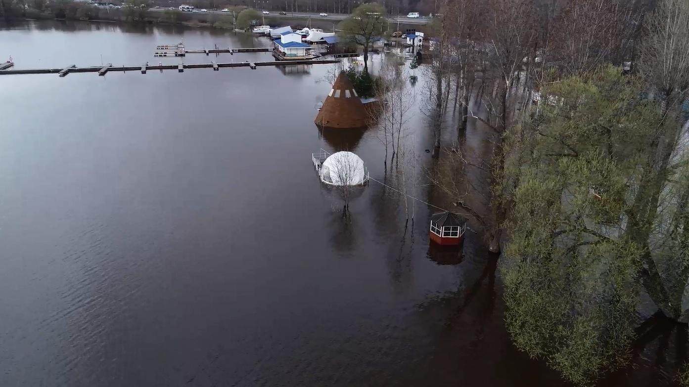 Вслед за Рыбинском вода начала активно прибывать и в Ярославле