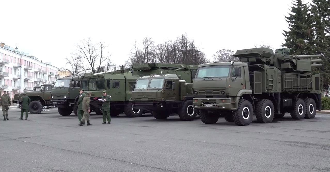 Военная техника прошла по Советской площади: в Ярославле состоялась репетиция Парада Победы