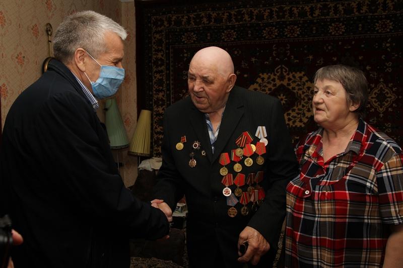 Ветераны Великой Отечественной войны получат подарки от губернатора накануне Дня Победы