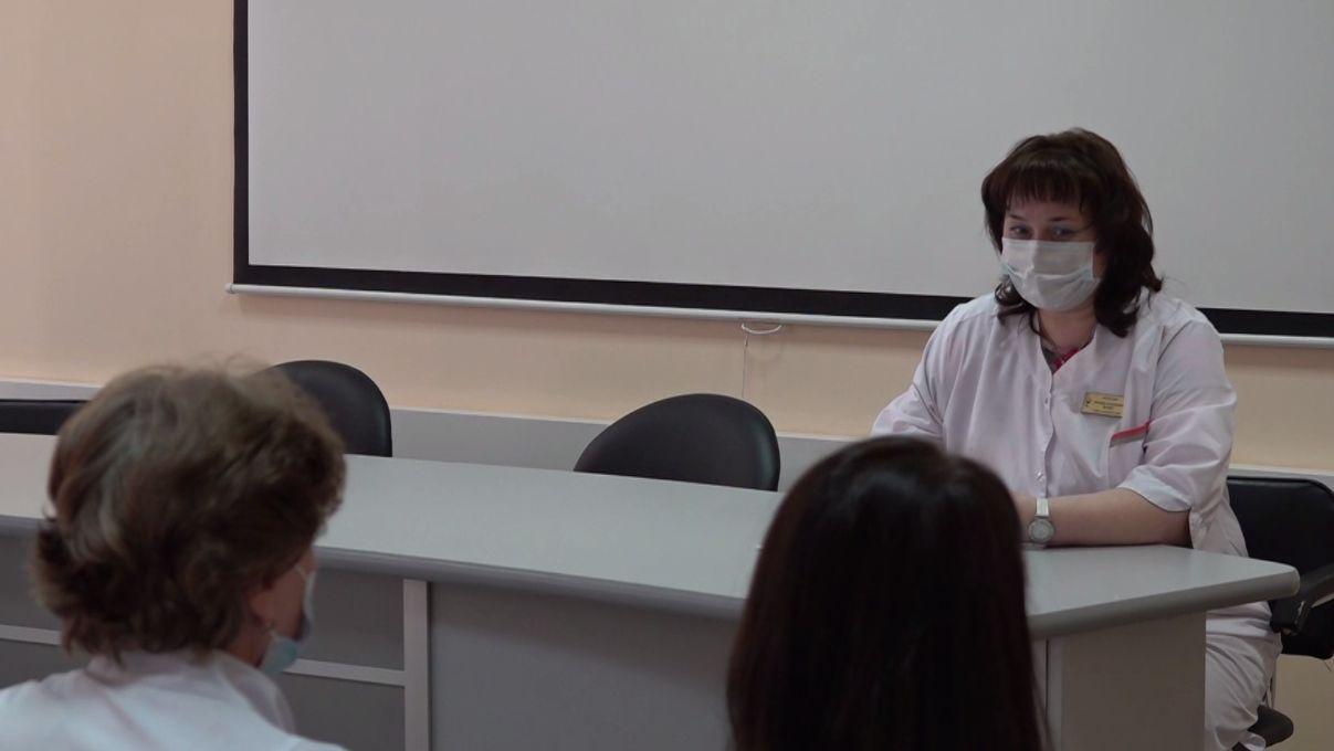Ярославские медсестры принимают поздравления с профессиональным праздником