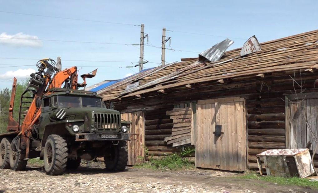 Пострадавшие из-за урагана жители Любима могут получить помощь: как устраняют последствия стихии