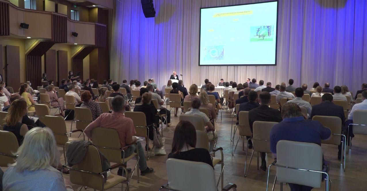 Развитие малых городов и повышение цифровой грамотности: в Ярославле рассмотрели предложения в стратегию развития области