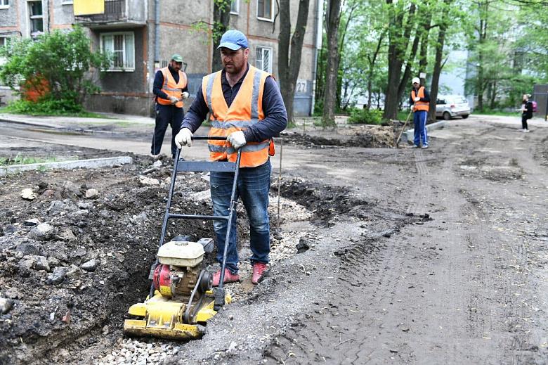 В Дзержинском районе Ярославля ремонтируют проезд Шавырина