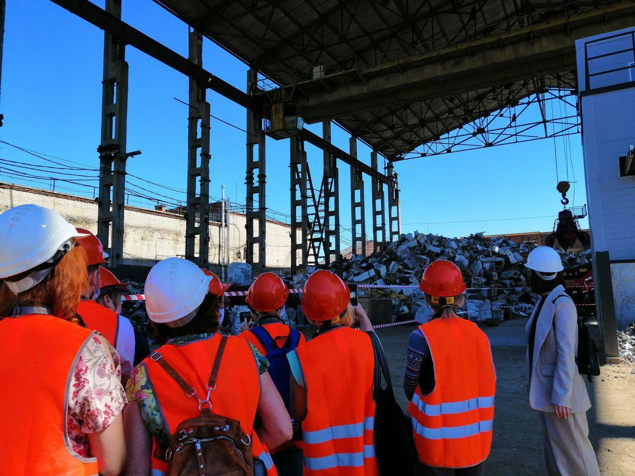 В Ярославле прошел день открытых дверей на предприятии по переработке источников тока