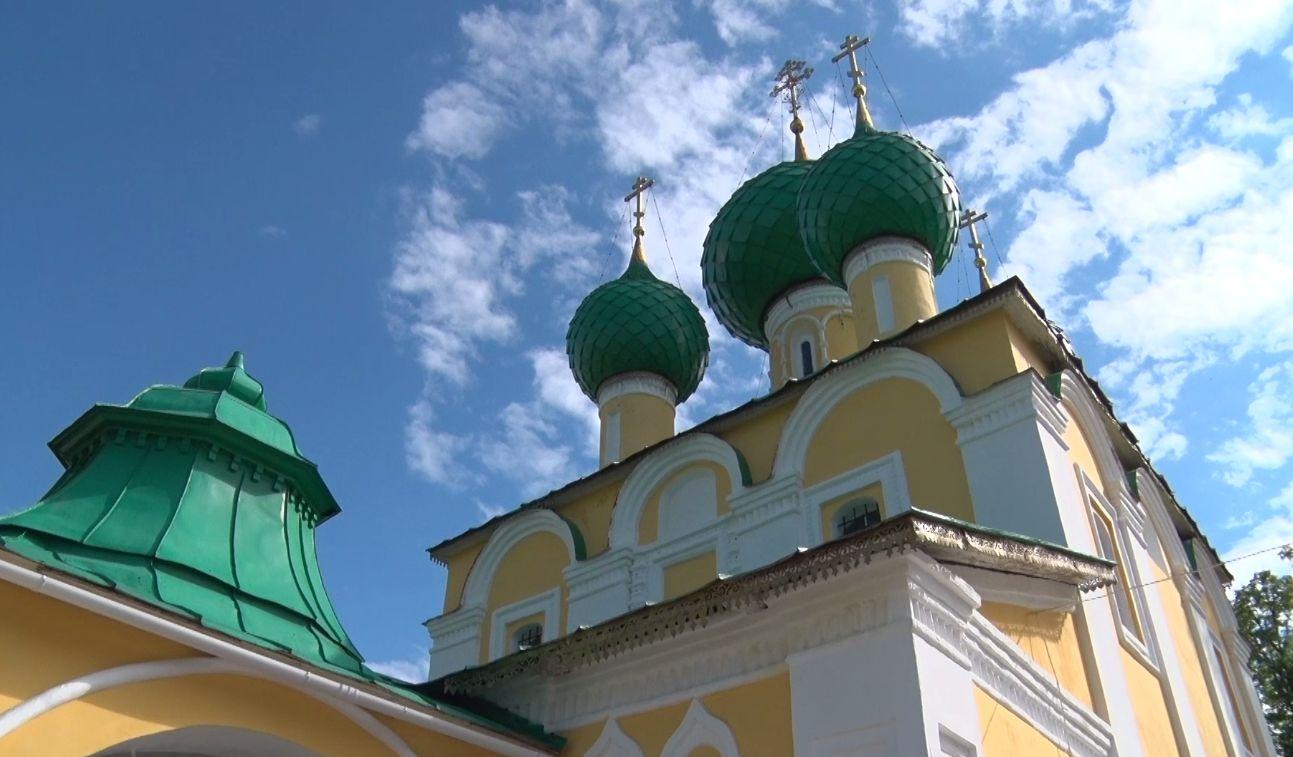 В день празднования 650-летия монастыря в Угличе открыли народную картинную галерею