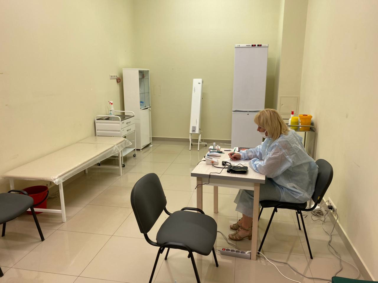 В Ярославле разыграют смартфоны среди тех, кто привился от коронавируса в торговом центре